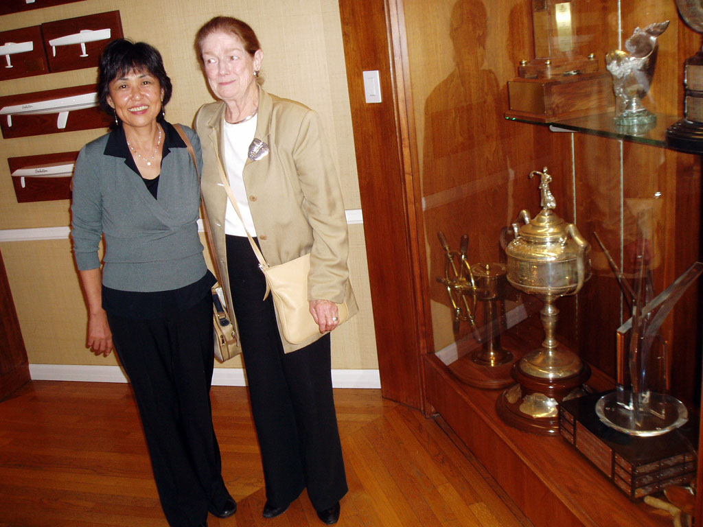 With the mediator at Children's Court ,Los Angeles in 2004.